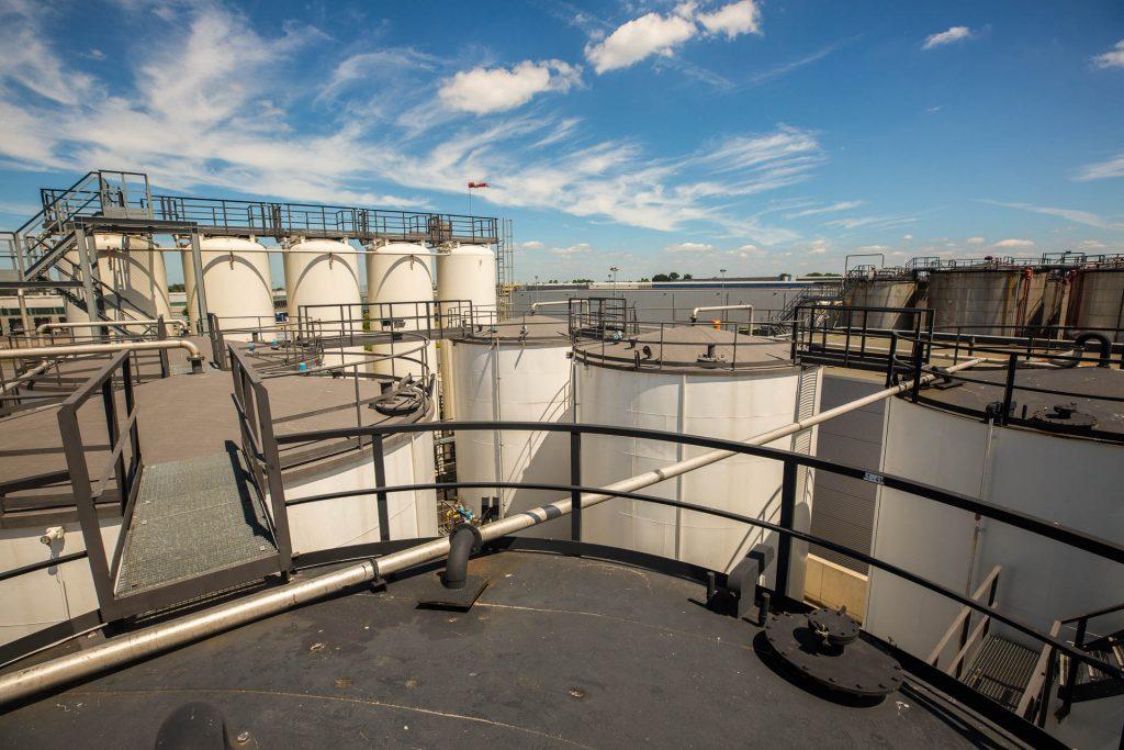 Afgewerkte olie tankpark Wubben afvalolie Roosendaal - oliehoudend afval
